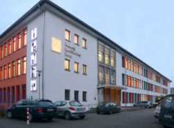 Hellweg Berufskolleg Hauptgebäude Platanenallee 18